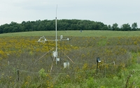 An eddy flux correlation tower for sampling carbon dioxide fluxes from native prairie fields, part of the GLBRC / KBS LTER cellulosic biofuels research program; Photo Credit: K.Stepnitz, Michigan State University